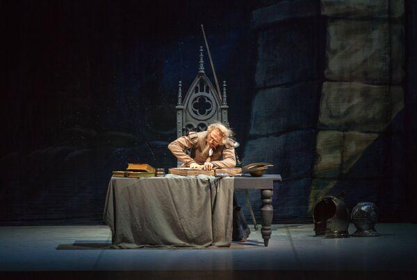 Pasiones españolas en el Teatro Mijáilovski y solistas que se evadieron del Bolshoi - Sputnik Mundo