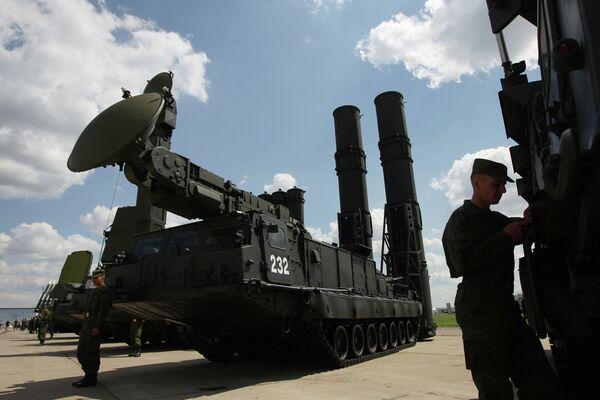 """Equipos de combate en el foro """"Tecnologías en maquinaria-2012""""  - Sputnik Mundo"""