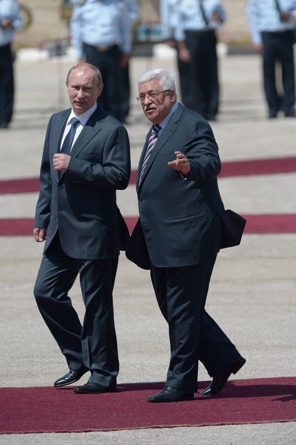 Vladímir Putin y Mahmud Abbas - Sputnik Mundo