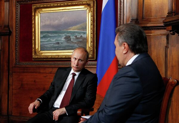 Putin propone examinar la cooperación militar en la reunión de la Comisión Interestatal Rusia-Ucrania - Sputnik Mundo