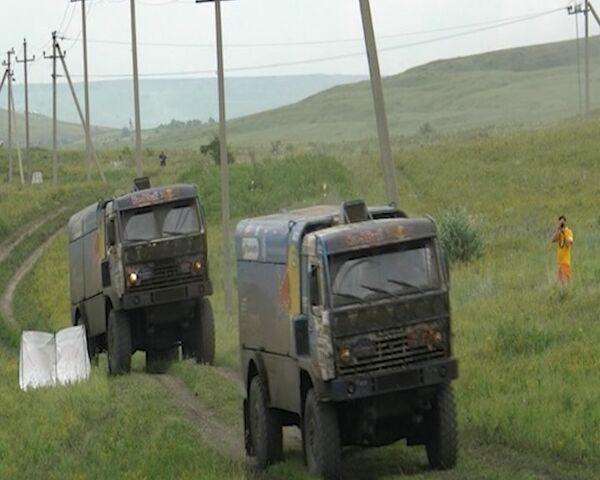 """Camión del equipo ruso """"KAMAZ-Master"""" llega a la meta con solo tres neumáticos - Sputnik Mundo"""