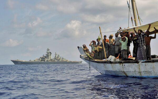 Militares en Somalia liberan tripulación de un barco secuestrado hace tres años por piratas - Sputnik Mundo