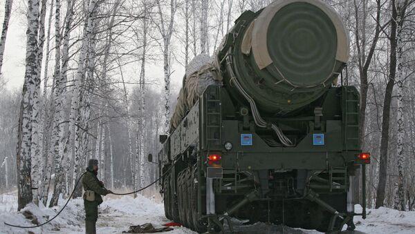 Sistema de misiles Tópol - Sputnik Mundo