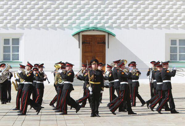 Regimiento Presidencial del Kremlin inaugura la temporada de relevos - Sputnik Mundo