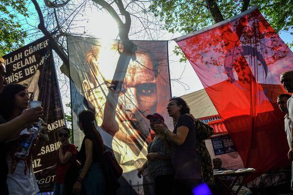 Policía dispersa a manifestantes en el parque Gezi de Estambul - Sputnik Mundo