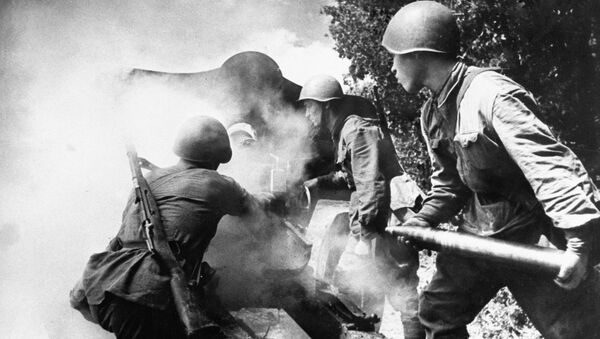 Soldados rusos durante la Segunda Guerra Mundial - Sputnik Mundo