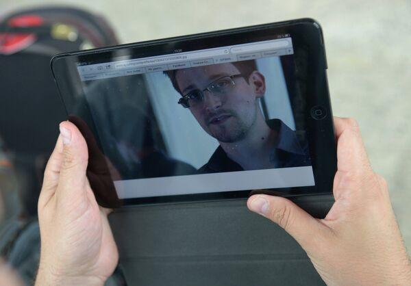 Snowden acepta el asilo en Venezuela según legislador ruso - Sputnik Mundo
