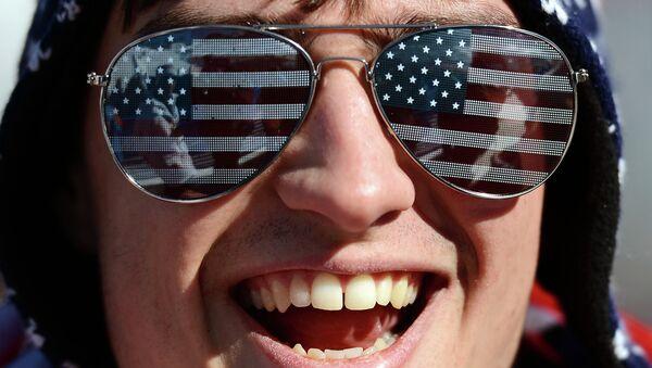 La confianza de los consumidores en la economía estadounidense, en su máximo desde 2004 - Sputnik Mundo