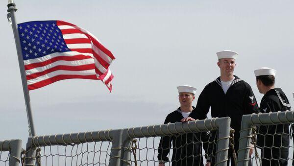 Моряки фрегата Военно-морских сил США - Sputnik Mundo
