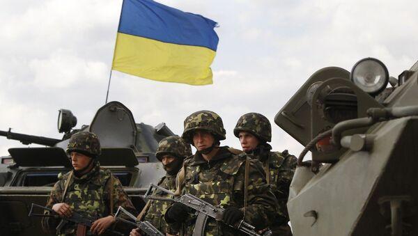 Empleo de tanques y aviones en el este de Ucrania es un nuevo crimen de Kiev - Sputnik Mundo