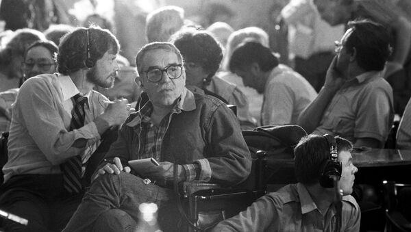 Gabriel García Márquez en su visita a Moscú en el año 1987 - Sputnik Mundo