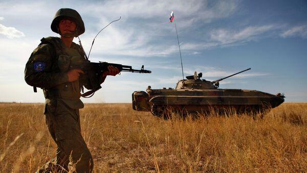 Militar ruso durante ejercicios antiterroristas (archivo) - Sputnik Mundo