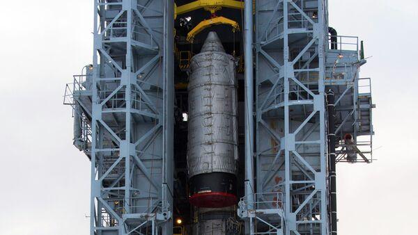 Cohete Rokot en la base espacial Plesetsk (archivo) - Sputnik Mundo
