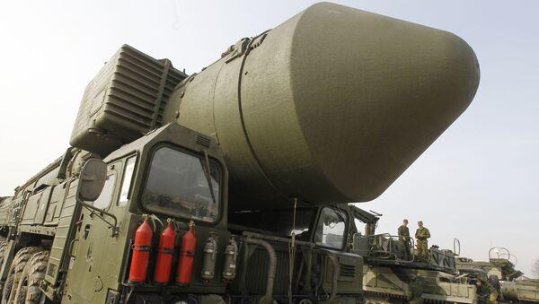 Misil balístico intercontinental Tópol-M (Archivo) - Sputnik Mundo