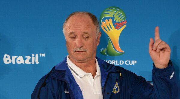 Brasil se despide de Scolari agradeciéndole por haber rescatado la pasión - Sputnik Mundo