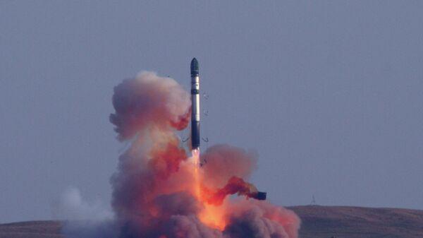 RS-20V Voevoda, más conocido en Occidente como Satanás (imagen referencial) - Sputnik Mundo