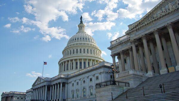 El Congreso de EEUU aprueba proyecto de ley sobre acuerdo nuclear con Irán - Sputnik Mundo