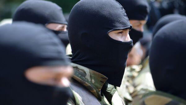 Bielorrusia no deja entrar en su territorio a ucranianos con armas - Sputnik Mundo