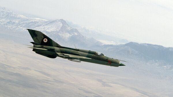 Un MiG-21 (archivo) - Sputnik Mundo