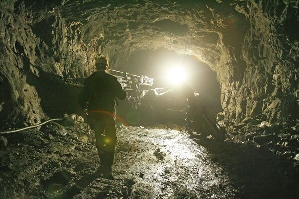 Más de 80 mineros atascados bajo tierra por deslizamiento del suelo en Tíbet. (Archivo) - Sputnik Mundo