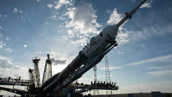 Preparación para el lanzamiento del cohete - Sputnik Mundo