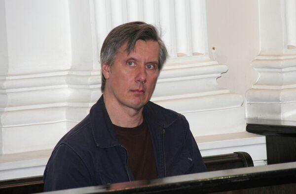 Dmitri Ustínov - Sputnik Mundo