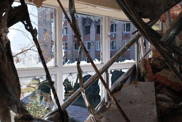 Poroshenko espera lograr el cese del fuego completo en los próximos días - Sputnik Mundo