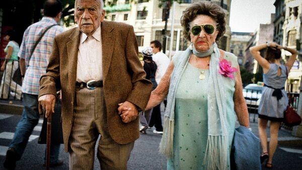 Jubilados en Madrid - Sputnik Mundo