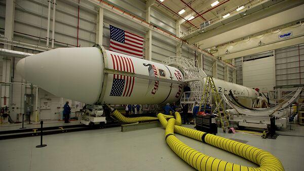 Rusia suministrará motores para el cohete estadounidense Antares - Sputnik Mundo