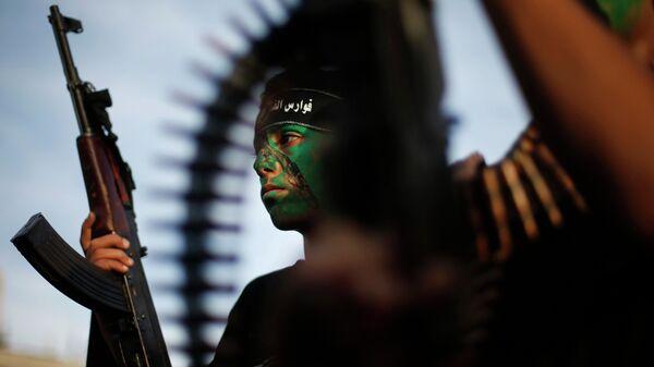 Miliciano de grupo palestino Hamás - Sputnik Mundo