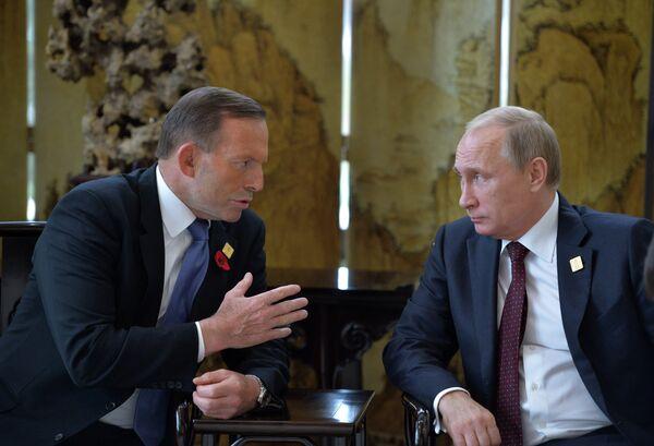 Primer ministro de Australia, Tony Abbot y presidente de Rusia, Vladímir Putin - Sputnik Mundo