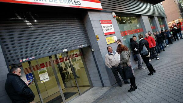 España vive el mayor descenso anual del paro desde 1998 - Sputnik Mundo