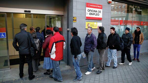 Los sindicatos españoles critican la precariedad del empleo creado en 2014 - Sputnik Mundo