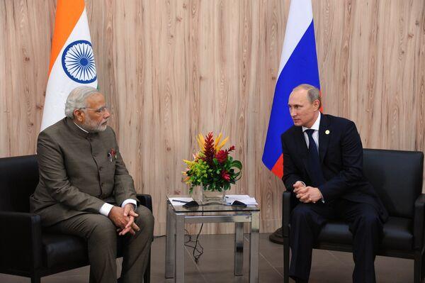 Primer ministro de India, Narendra Modi y presidente de Rusia, Vladímir Putin - Sputnik Mundo